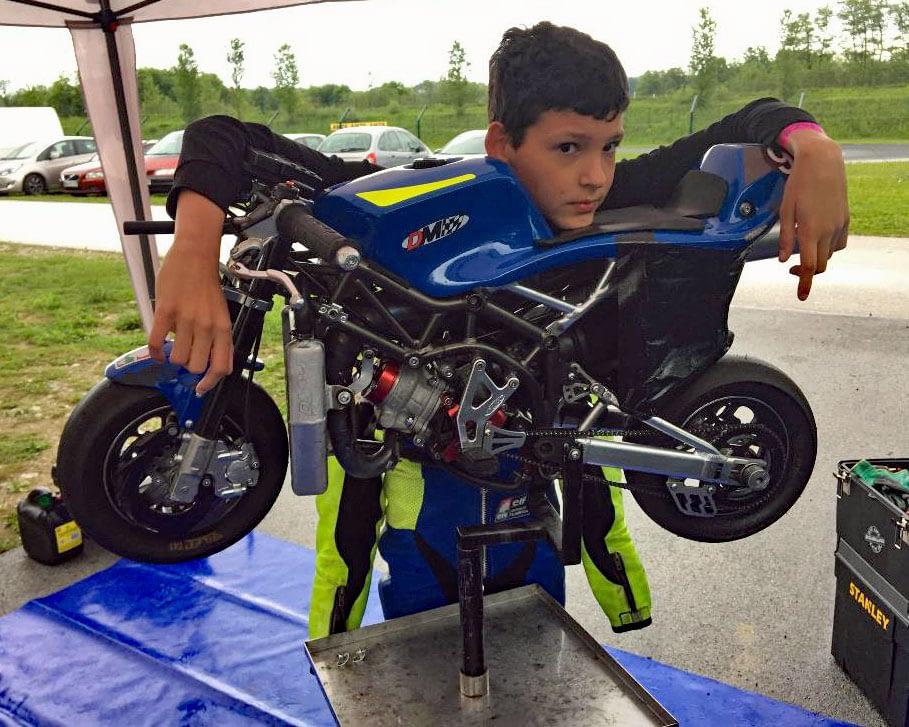 Slovenja vas 2021 minimoto - Minimoto pripravljen za dežno dirko