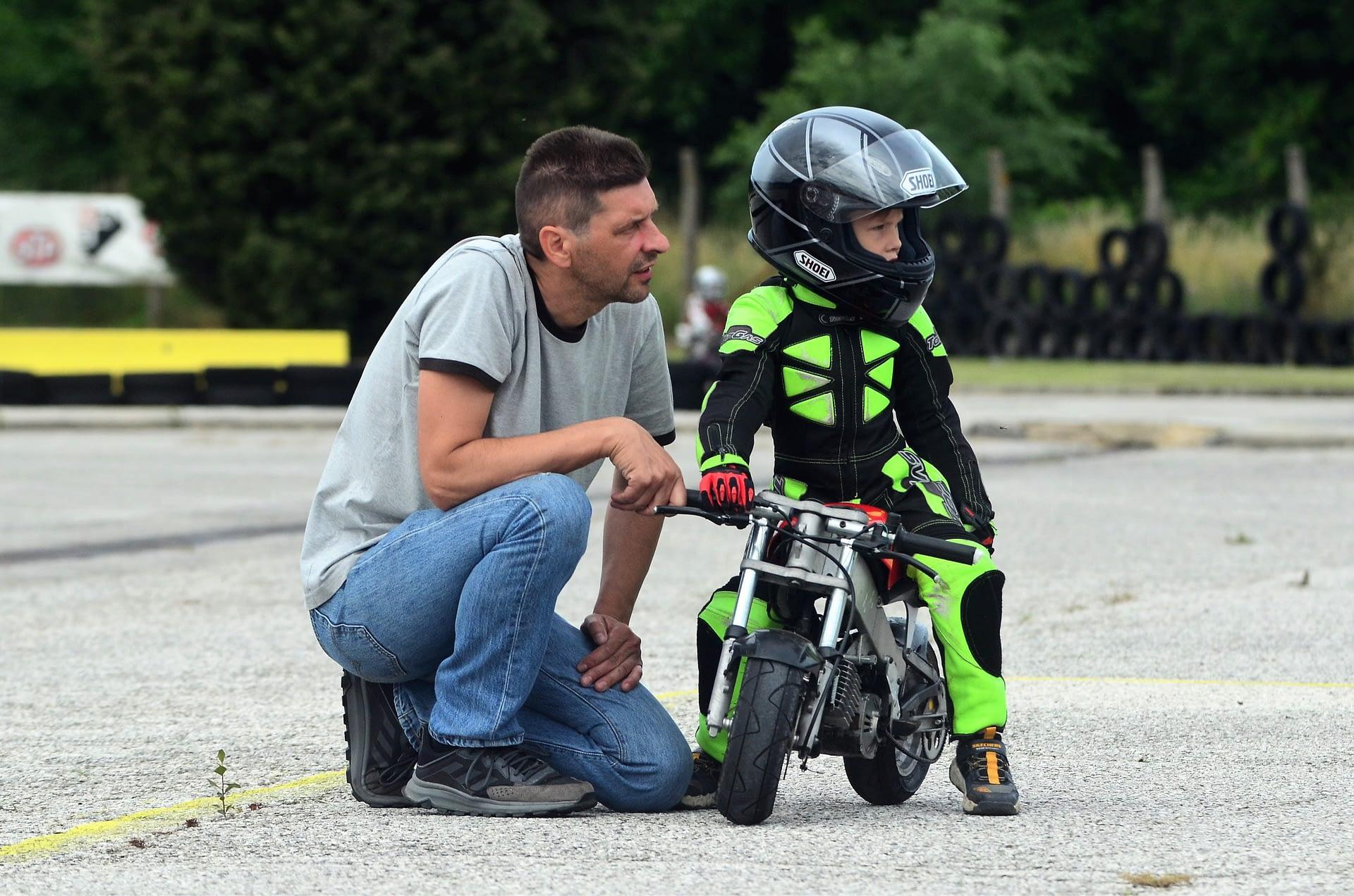 5 ottime ragioni per far guidare la minimoto a un bambino